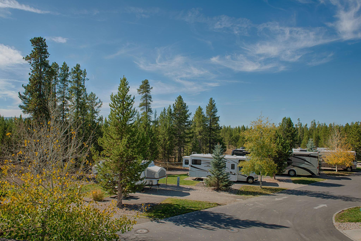 Yellowstone Grizzly RV Park back-in site